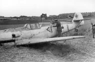 Asisbiz Messerschmitt Bf 109E1 Stab III.JG26 Werner Bartels WNr 6296 force landed Kent 24th Jul 1940 02