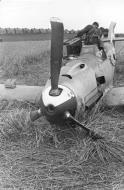 Asisbiz Messerschmitt Bf 109E1 Stab III.JG26 Werner Bartels WNr 6296 force landed Kent 24th Jul 1940 IWM HU104713
