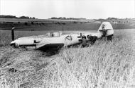 Asisbiz Messerschmitt Bf 109E1 Stab III.JG26 Werner Bartels WNr 6296 force landed Kent 24th Jul 1940 IWM HU7960