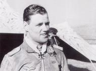 Asisbiz Aircrew Luftwaffe JG26 ace pilot and ex Olympian Joachim Muncheberg Sicily Mar 1941 01