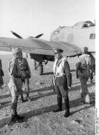 Asisbiz Aircrew Luftwaffe ace Joachim Muncheberg meets with Feldmarschall Erwin Rommel 01