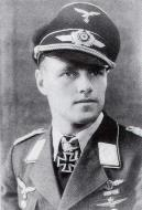 Asisbiz Aircrew Luftwaffe ace and ex Olympian Joachim Muncheberg with his Knights Cross with diamonds 01