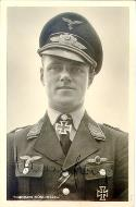 Asisbiz Aircrew Luftwaffe ace and ex Olympian Joachim Muncheberg with his Knights Cross with diamonds 04