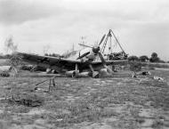 Asisbiz Messerschmitt Bf 109E1 JG26 under going repairs France early 1940 01
