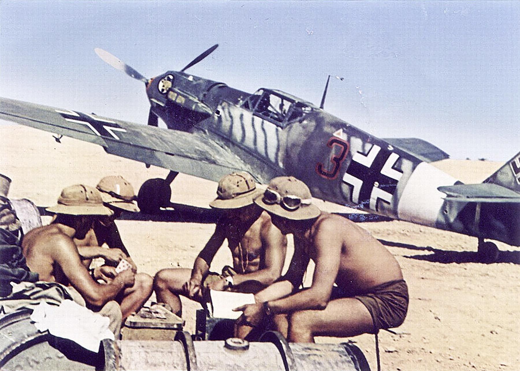 Messerschmitt-Bf-109E7Trop-2.JG27-Black-