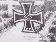 Asisbiz Aircrew Luftwaffe ace 9.JG27 Erbo Graf von Kageneck headstone 01