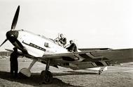 Asisbiz Messerschmitt Bf 109E3 JG3 pilot about to fly his Emil Berlin Doeberitz 1939 01