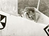 Asisbiz Messerschmitt Bf 109E4 Stab II.JG3 Chevron triangle Erich von Selle France Aug 1940 01