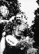 Asisbiz Aircrew Luftwaffe JG5 ace Hpt Theodor Weissenberger after shooting down 2 RAF Spitfires 25th July 1944 01