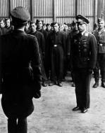 Asisbiz Aircrew Luftwaffe Gruppenkommandeur II.JG51 Gunther Matthes addressing 4 Staffel with Josef Fozo facing 01