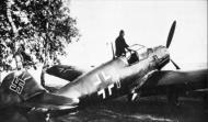 Asisbiz Messerschmitt Bf 109E1 2.JG52 Red 1 Hans Berthel WNr 3335 Bonn Hangelar Germany 6th Oct 1939 01