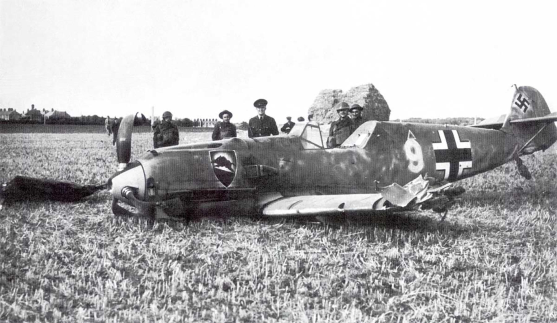 Messerschmitt Bf 109E1 1.JG52 White 9 Herbert Bischoff forced landed near Kent 24th Aug 1940 01