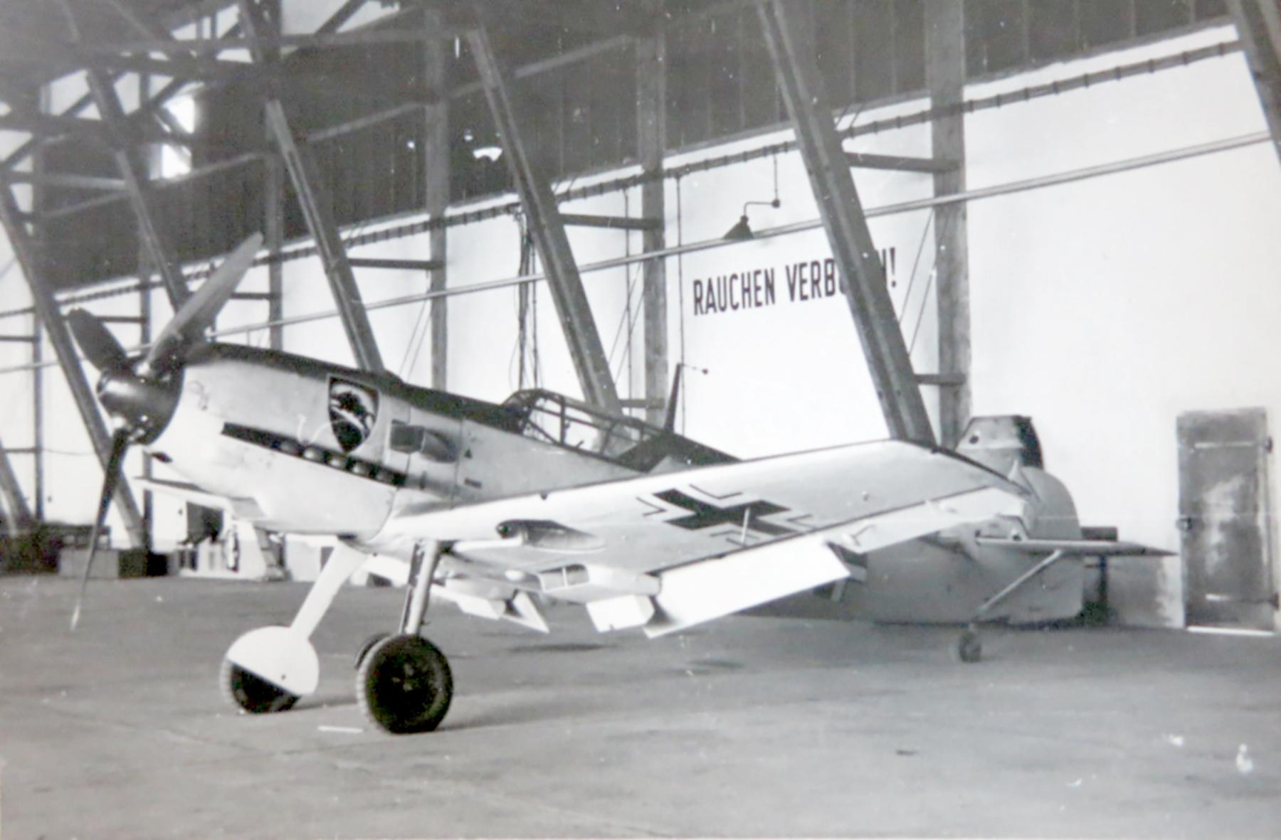 Messerschmitt Bf 109E1 1.JG52 showing emblem on left side ebay 02