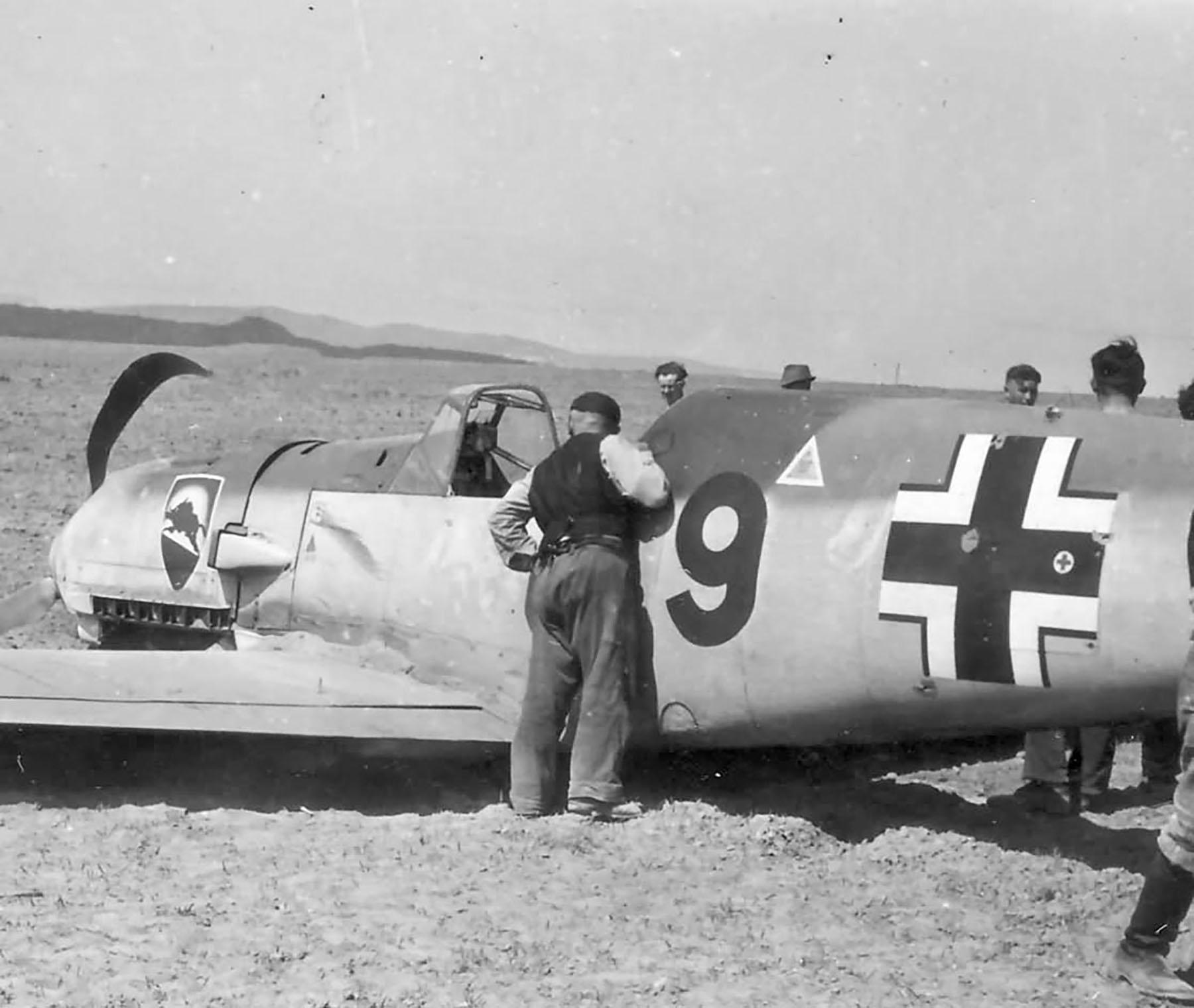 Messerschmitt Bf 109E3 2.JG52 Red 9 force landed 01