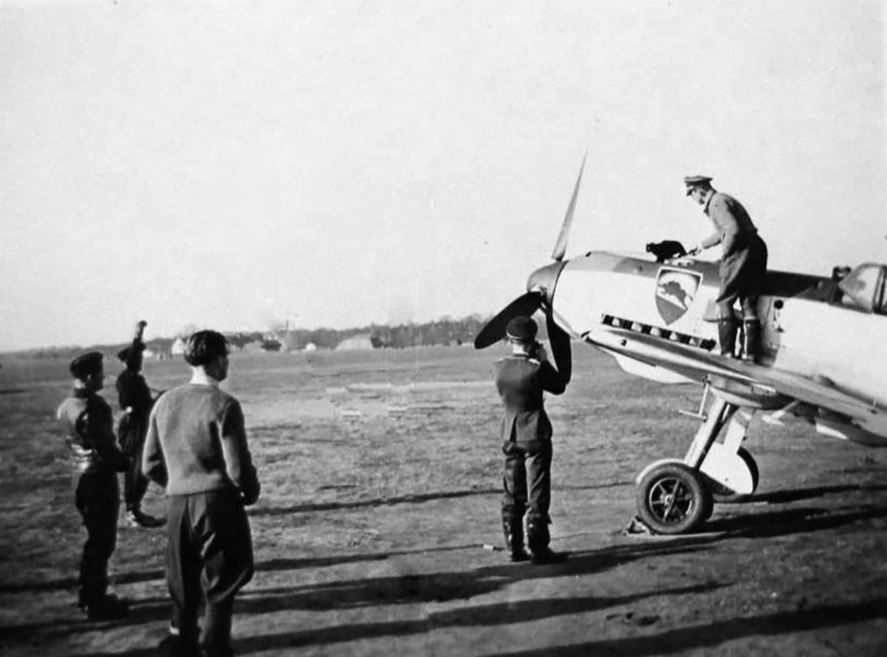 Messerschmitt Bf 109E3 2.JG52 most likely Frankfurt Germany 1940 01