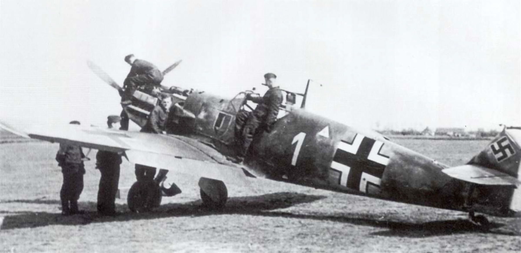Messerschmitt Bf 109E4 1.JG52 White 1 Johannes Steinhoff Germany 1941 02