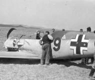 Asisbiz Messerschmitt Bf 109E3 2.JG52 Red 9 force landed 01