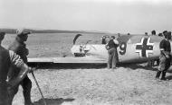 Asisbiz Messerschmitt Bf 109E3 2.JG52 Red 9 force landed 02