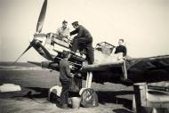 Asisbiz Messerschmitt Bf 109E4 3.JG52 Yellow 5 Woensdrecht Holland 26th April 1941 NIMH 01