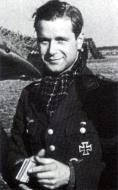Asisbiz Aircrew Luftwaffe ace 9.JG54 Hans Ekkehard Bob inventor of the gebobt method 1940 01