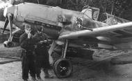 Asisbiz Messerschmitt Bf 109E3B II.JG54 ready for its next bomb run France 1940 01