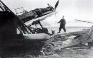 Asisbiz Messerschmitt Bf 109E4B II.JG54 loading a 250kg bomb France Oct 1940 01