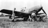 Asisbiz Messerschmitt Bf 109E4B JG54 loading a 250kg bomb France Sep 1940 01