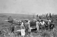 Asisbiz Messerschmitt Bf 109E4B 6.JG77 Yellow 3 WNr 6429 Friedrich Wempe crash landed Domnitza 25th July 1941 02