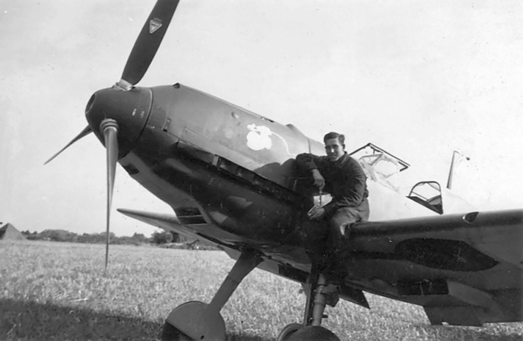 Messerschmitt Bf 109E1 I.JG77 dispersal area 1939 01
