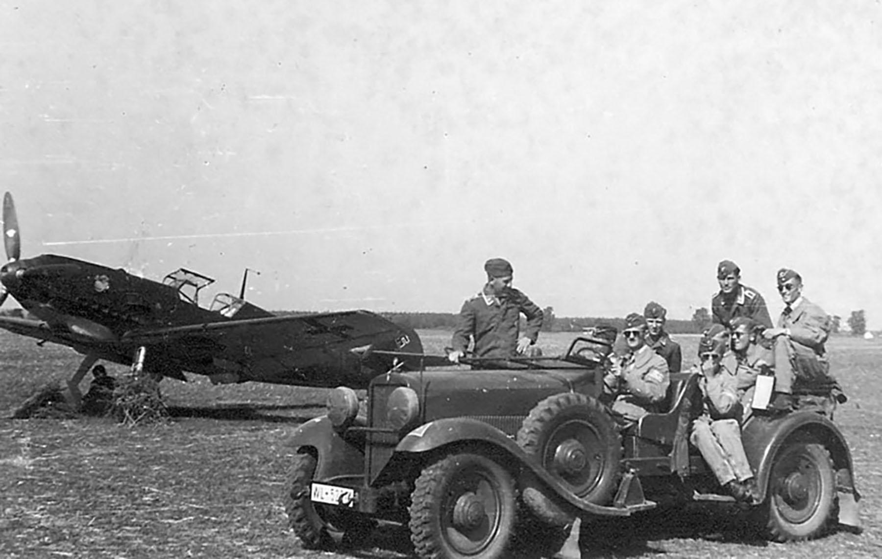 Messerschmitt Bf 109E1 JG77 dispersal area 1939 01