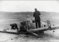 Asisbiz Bf 109E 1.JG77 Yellow 9 used by Hugo Dahmer belly landed Titowka btw 24th n 30th Jul 1941 06