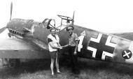 Asisbiz Messerschmitt Bf 109E8 1.(J)LG2 White 4 Erwin Clausen WNr 6389 Romania 1941 01