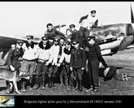 Asisbiz Aircrew Bulgarian fighter pilots pose by a Messerschmitt Bf 109G2 autumn 1943 01