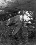 Asisbiz Messerschmitt Bf 109E showing StG2 emblem on the right cowling 01