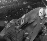 Asisbiz Messerschmitt Bf 109E showing StG2 emblem on the right cowling 02