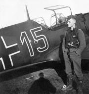 Asisbiz Messerschmitt Bf 109E1 5.ZG1 Red 15 Germany 1939 01