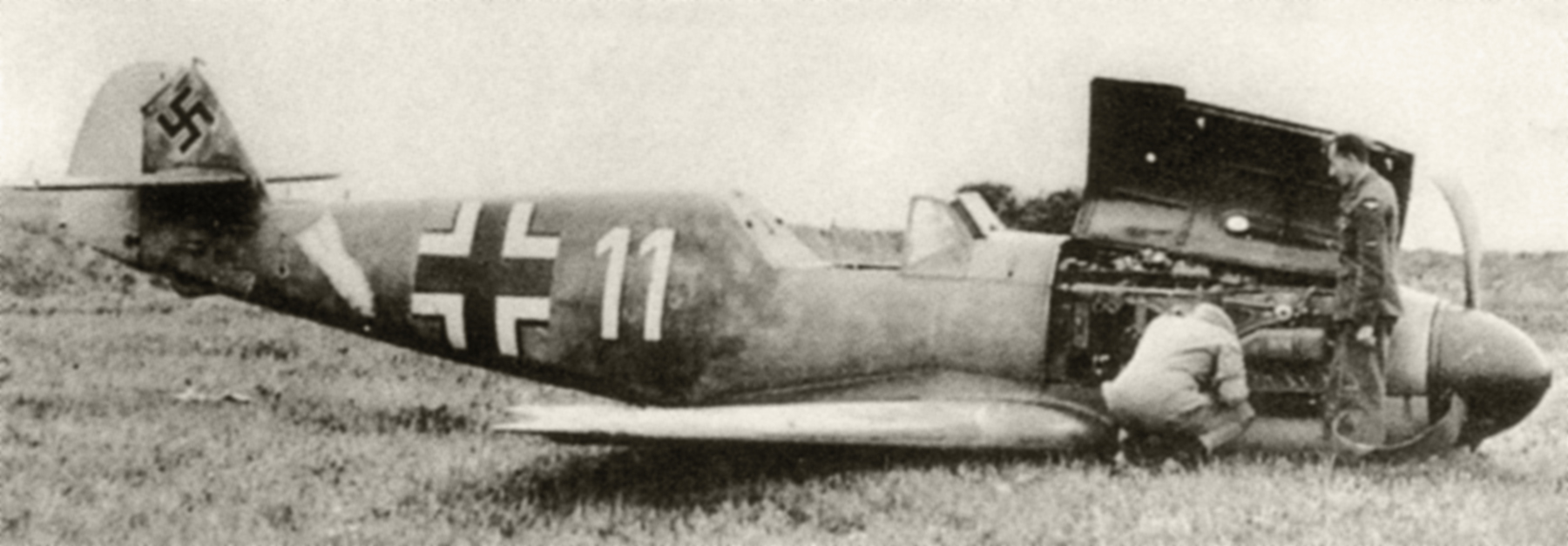 Messerschmitt Bf 109F4B 10.JG26 White 11 Oswald Fischer WNr 7232 crash landed England 1942 02