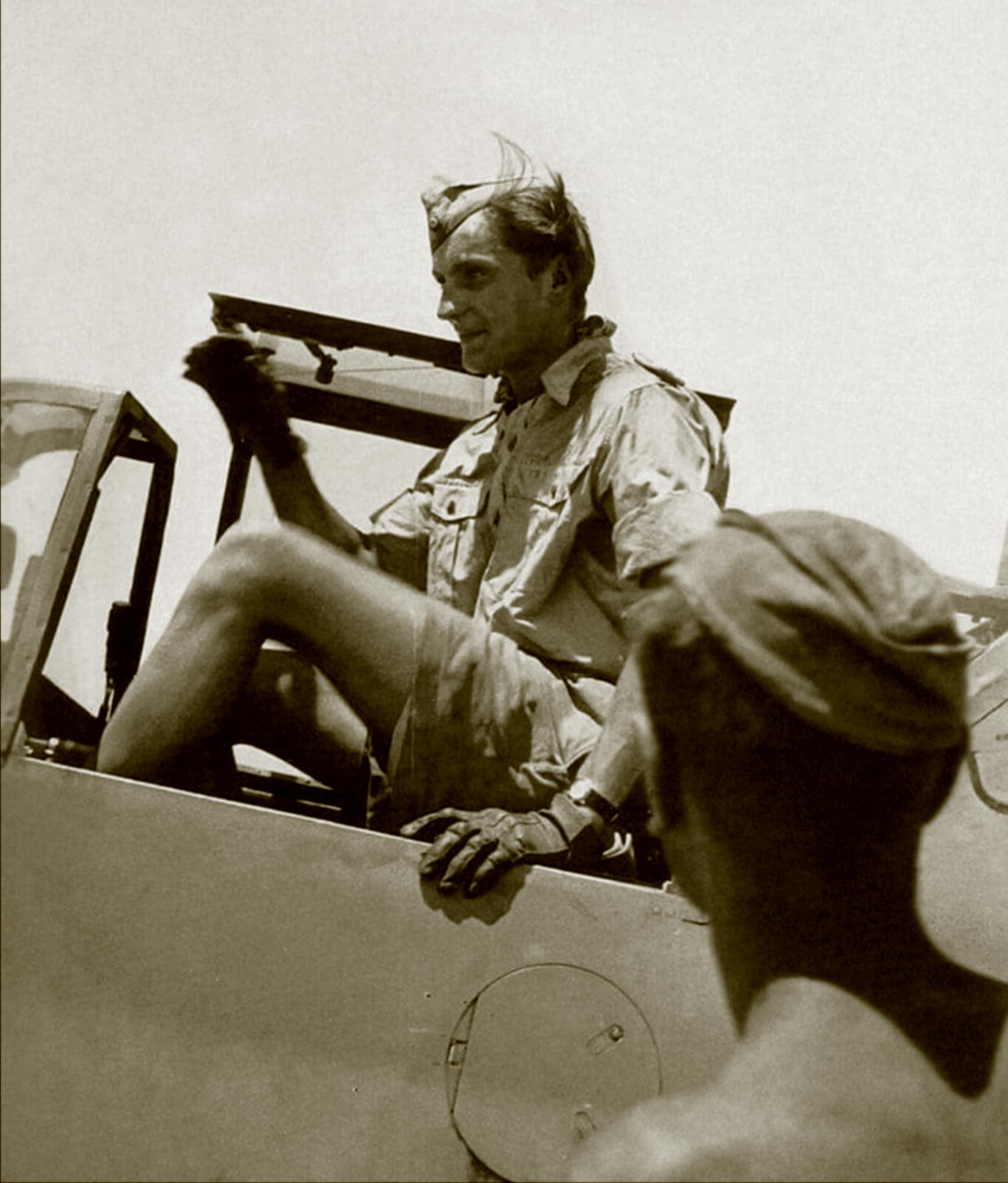 Aircrew Luftwaffe JG27 ace Hans Joachim Marseille North Africa 01