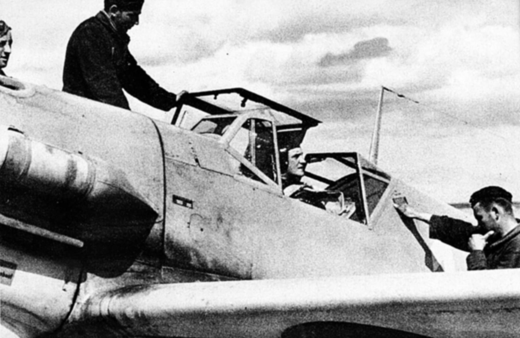 Messerschmitt Bf 109F4Trop 3.JG27 Yellow 14 Hans Joachim Marseille Martuba 1942 04