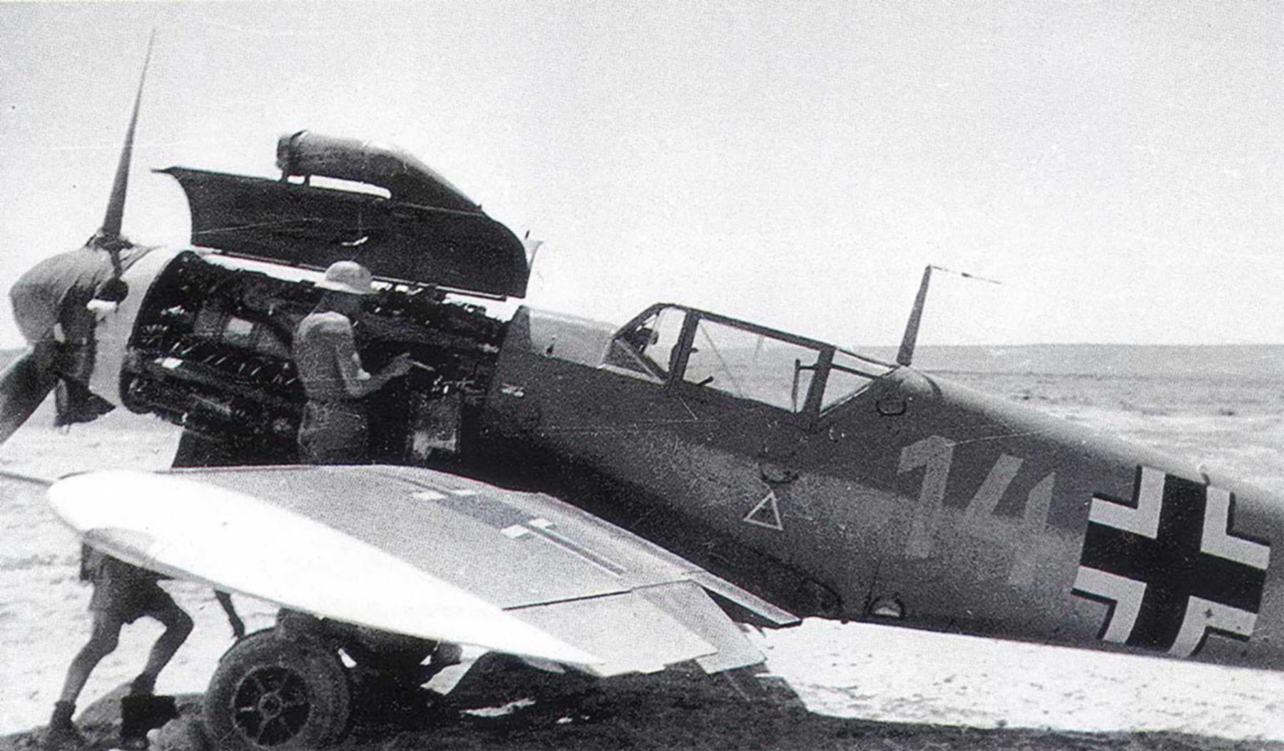 Messerschmitt Bf 109F4Trop 3.JG27 Yellow 14 Hans Joachim Marseille WNr 10137 Africa 21st June 1942 02