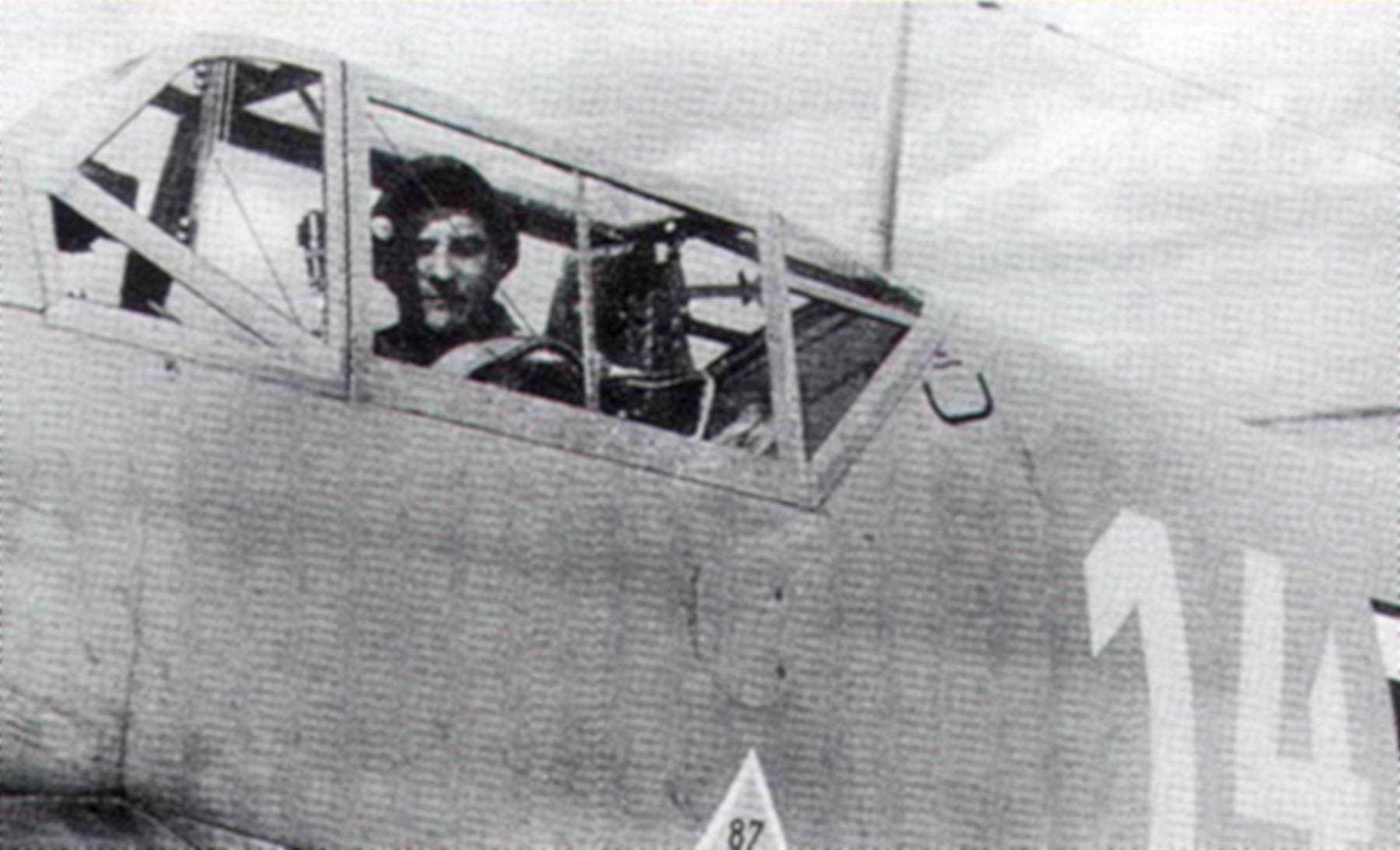Messerschmitt Bf 109F4Trop 3.JG27 Yellow 14 Hans Joachim Marseille WNr 8693 Martuba Feb 1942 04