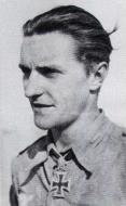 Asisbiz Aircrew Luftwaffe JG27 ace Hans Joachim Marseille 1941 01