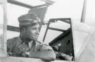 Asisbiz Aircrew Luftwaffe JG27 ace Hans Joachim Marseille North Africa 03