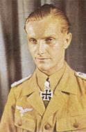 Asisbiz Aircrew Luftwaffe JG27 ace Hans Joachim Marseille Sep 1942 01
