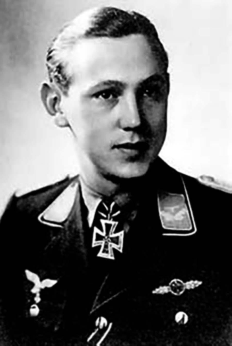 Aircrew Luftwaffe JG27 ace Friedrich Korner 01