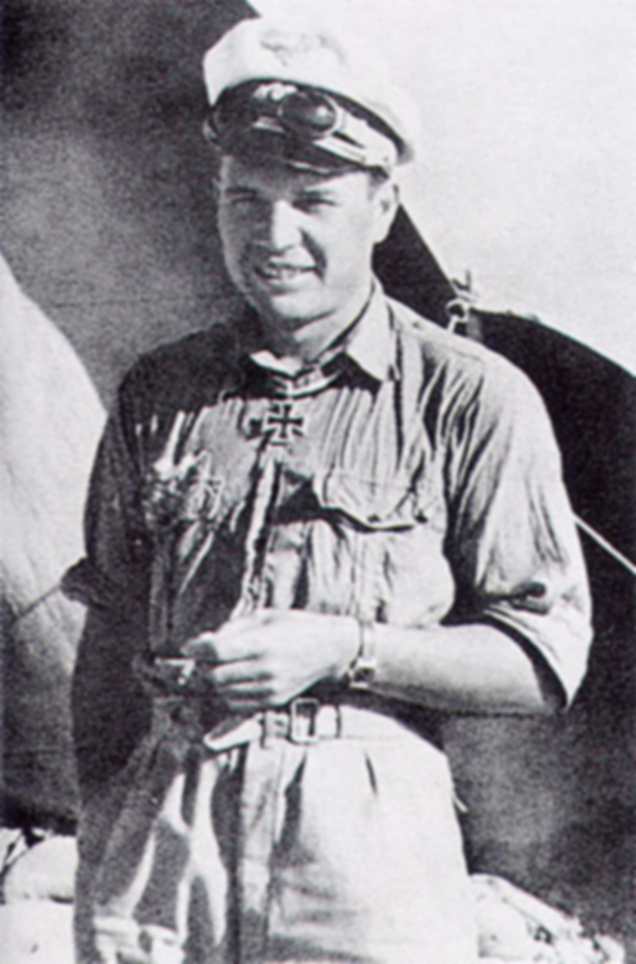 Aircrew Luftwaffe JG27 ace Gustav Rodel North Africa June 1942 01