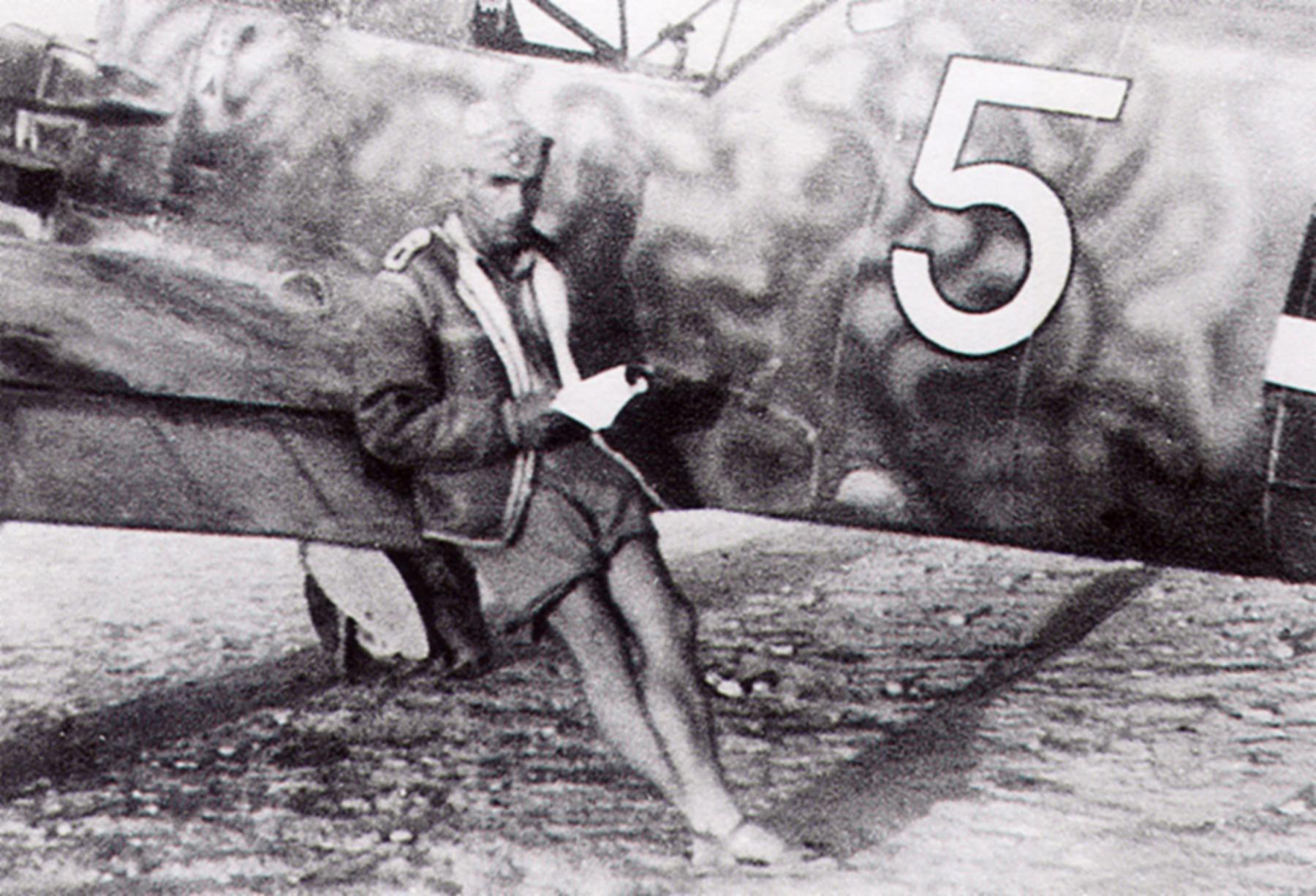 Messerschmitt Bf 109E4Trop 1.JG27 White 5 Albert Espenlaub North Africa Nov 25 1941 01