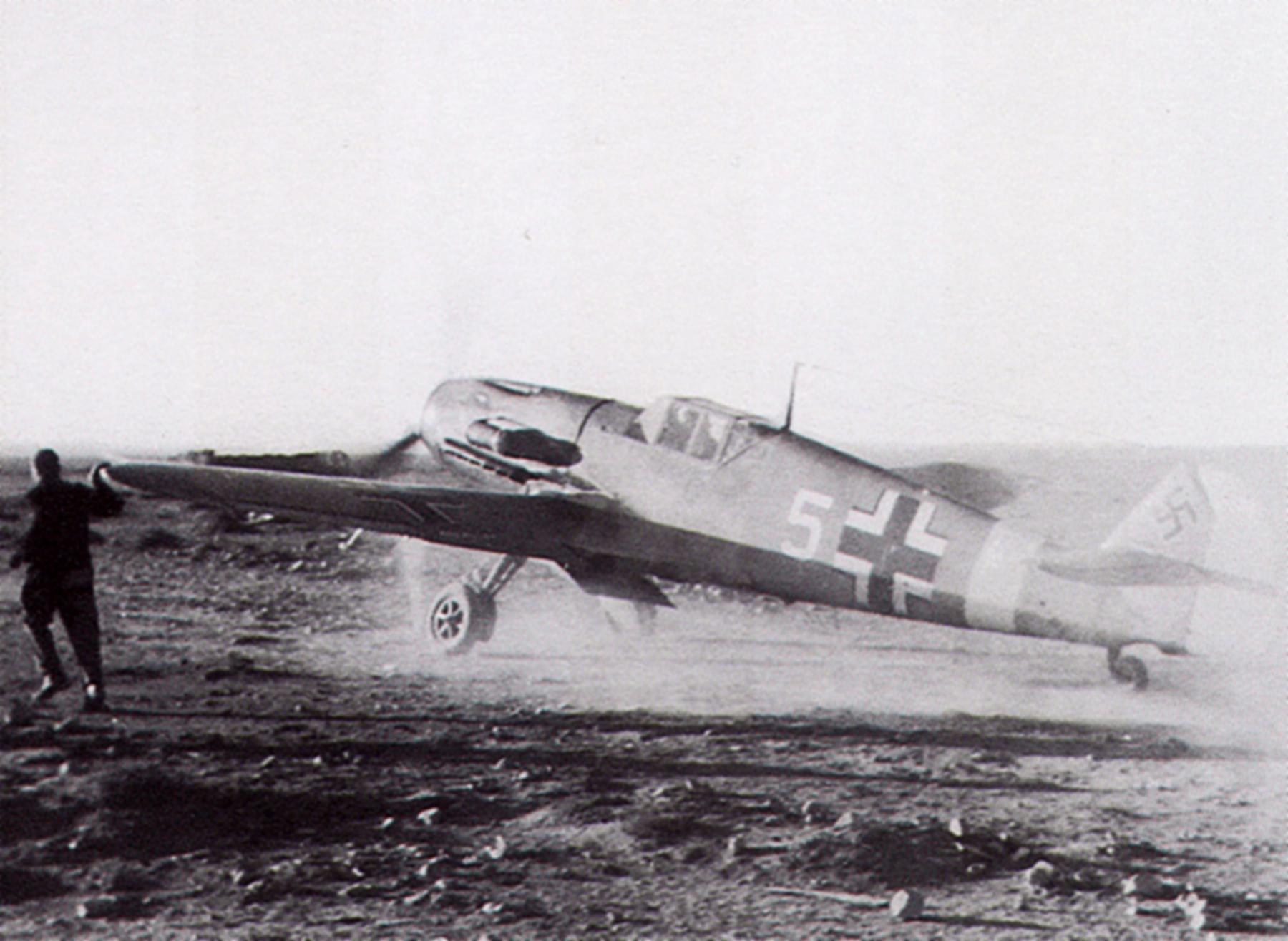 Messerschmitt Bf 109F4Trop 1.JG27 White 5 Albert Espenlaub El Adem 25th Nov 1941 01