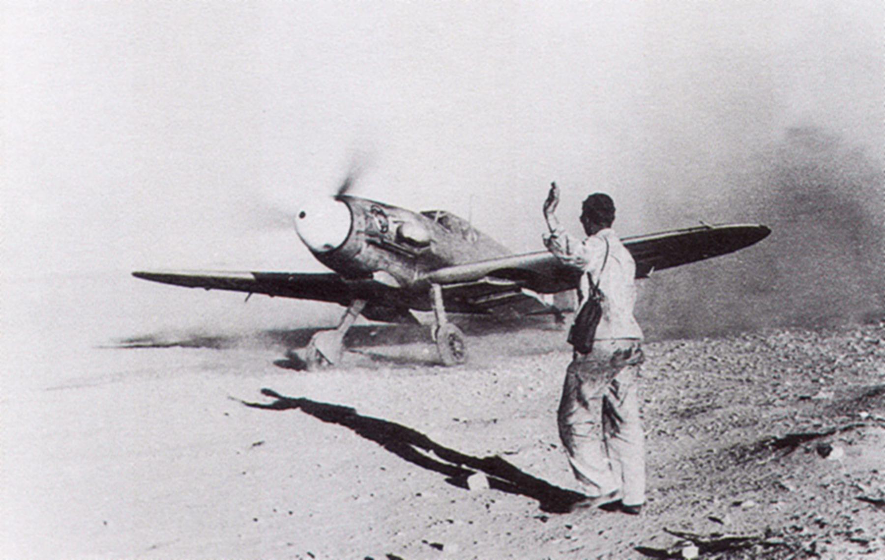Messerschmitt Bf 109F4Trop 1.JG27 White 5 Albert Espenlaub El Adem Nov 25 1941 02