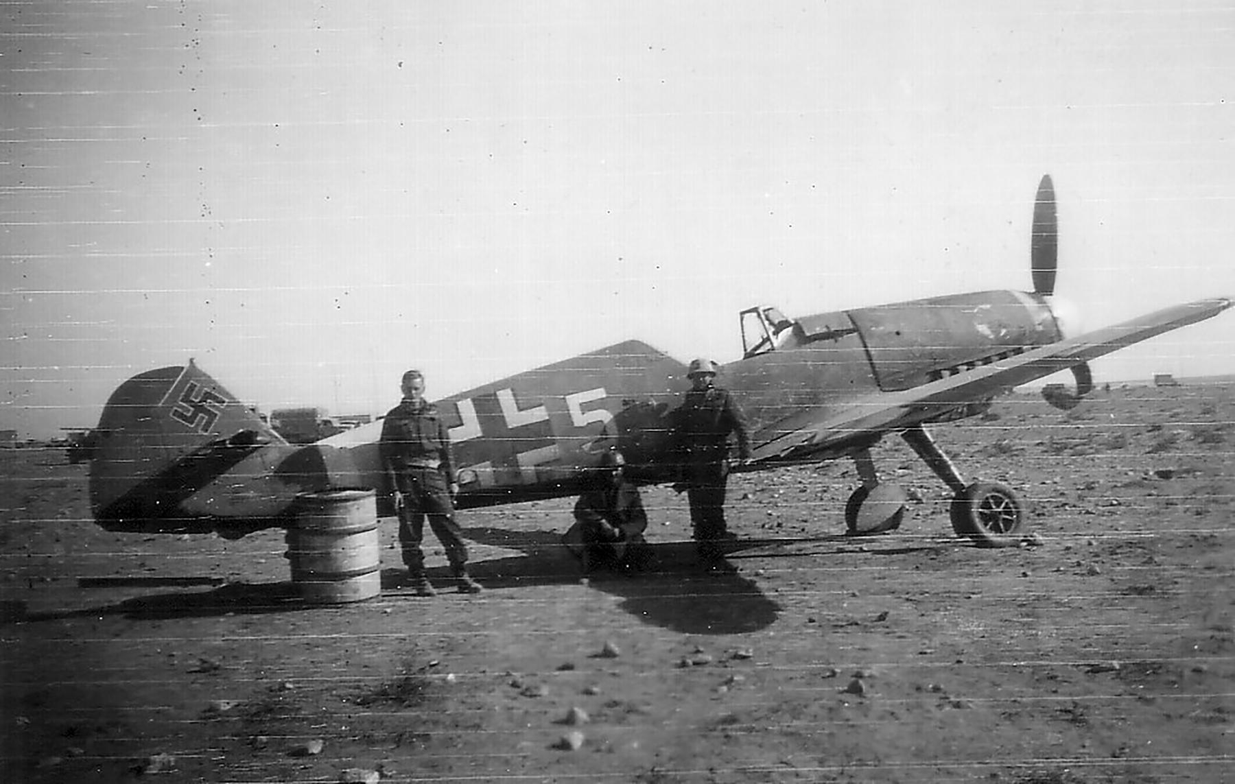 Messerschmitt Bf 109F4Trop 1.JG27 White 5 Albert Espenlaub crash landed El Adem Dec 1941 03